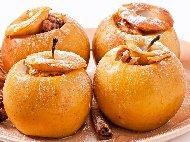 Пълнени печени ябълки с орехи пекан,стафиди, мед и кафява захар